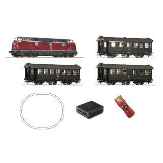 ROCO 51316 - Spur H0 Digital-Startset: DB Diesellokomotive BR 221 mit Sound mit Personenzug Ep.IV