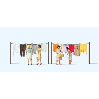 """Preiser 10741 - Figurensatz Exklusivserie 1:87 """"Frauen beim Wäscheaufhängen"""""""
