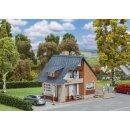Faller 131504 - 1:87 Wohnhaus mit Balkon  inkl. 1...